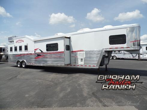 2010 Bloomer 4H 19'9 SW w/ 10' Slide Out Horse Trailer