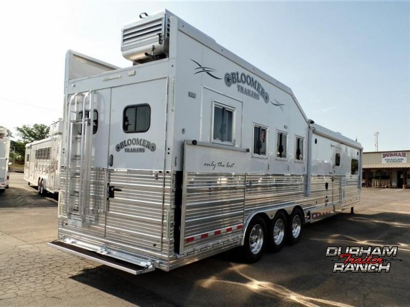 2017 Bloomer 4H PC Load w/ 18' Short Wall and 6' Hyd. Slide Out Horse Trailer
