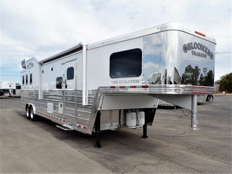 2020 Bloomer 3H GN w/ 14.5ft Short Wall 6ft Hyd. Slide Out Horse Trailer