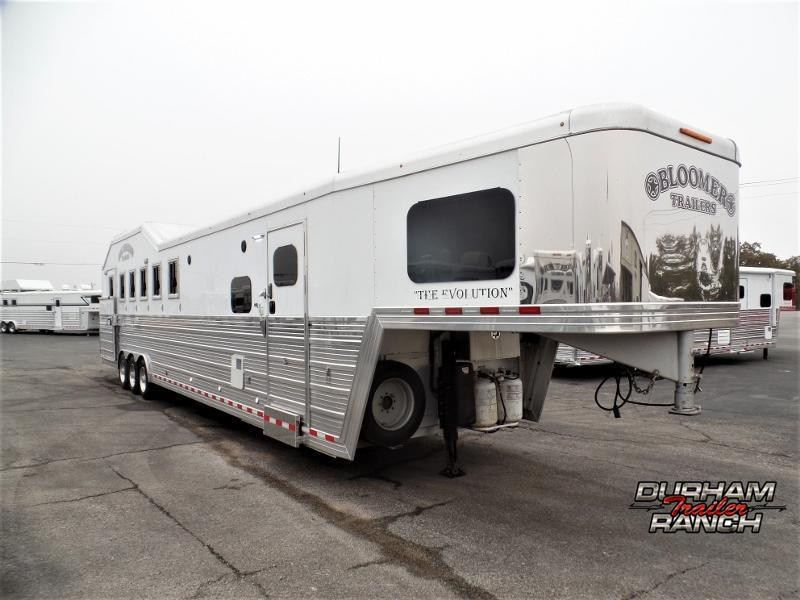 2016 Bloomer 4H Trailer w/ 18ft SW and 6ft Hydr. Slide Horse Trailer