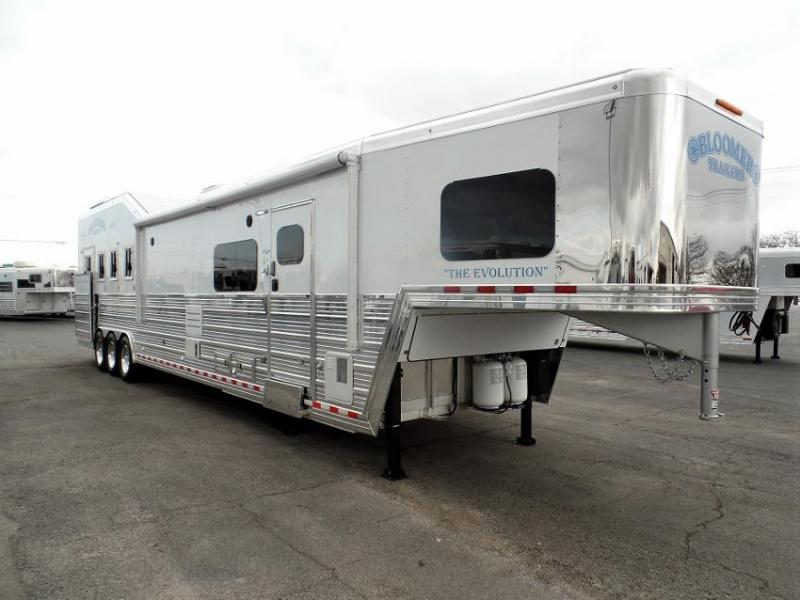 2020 Bloomer 4H PC Load w/ 18.5' SW LQ & 10' Hyd. Slide Horse Trailer