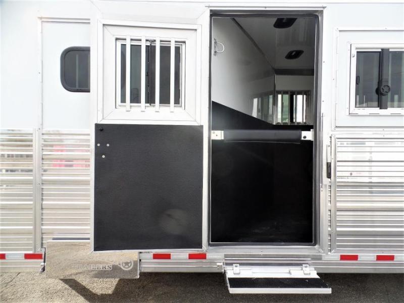 2020 Bloomer 7Horse Trailer w/ 6ft SW Dressing Room Horse Trailer