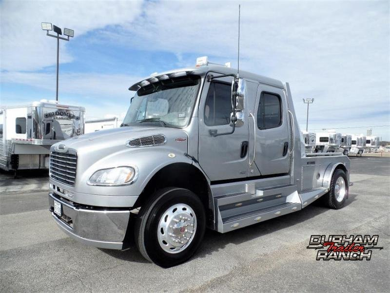 2009 Freightliner M2 Business Class Sports Chassis Truck