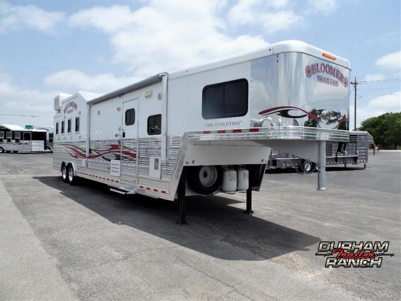 """2011 Bloomer 4H w/ 14'6"""" SW and 10' Hyd Slide Horse Trailer"""