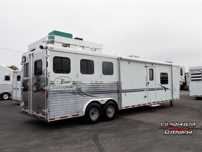 2005 Bison Trailers 3H GN Trailer w/ 16ft Short Wall LQ and 6ft Slide Horse Trailer