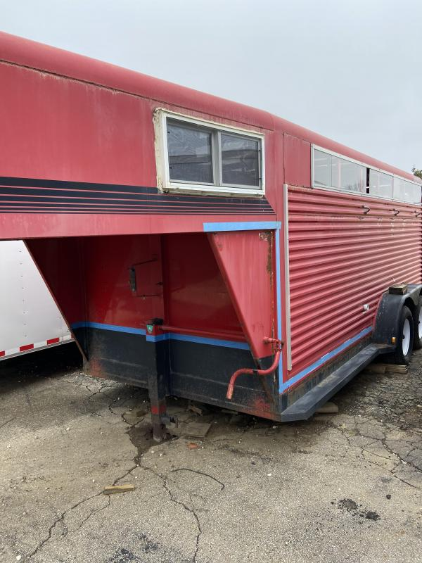 2000 Diamond D Stock Trailer Horse Trailer
