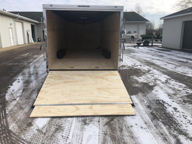 2020 Cargo Mate 8.5X22 VNOSE RAMP DOOR CAR HAULER PKG