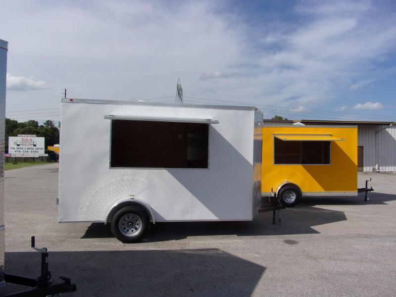 2019 EagleCargo Trailers 6x12 7' 3x6 Window WHITE Enclosed Cargo Concesion