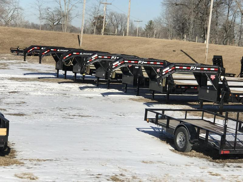 2020 IRON BULL 102X32 GOOSENECK LOPRO DECK OVER FLAT BED TRAILER W/ HYDRAULIC DOVE TAIL AND 12K AXLES