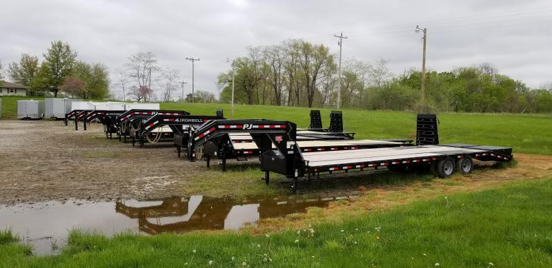 2019 IRON BULL 102 X 20 GOOSENECK EQUIPMENT HAULER TRAILER W/DRIVE OVER FENDERS