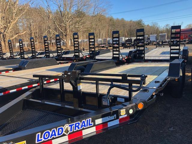 2020 Load Trail TH8318TA5 Equipment Trailer