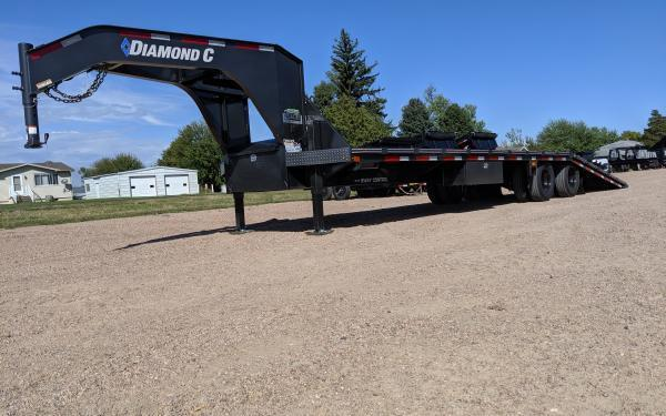 2020 Diamond C FMAX210 32' Flatbed Trailer