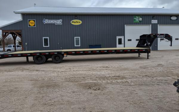 2020 Diamond C FMAX212 40' Flatbed Trailer w/ Max Ramps