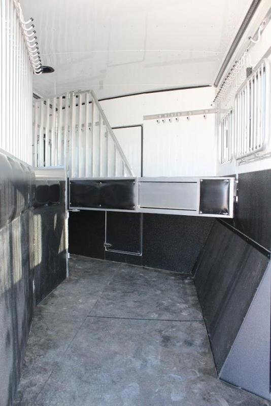 2020 Sundowner 3 horse with 16' LQ with Slide Out