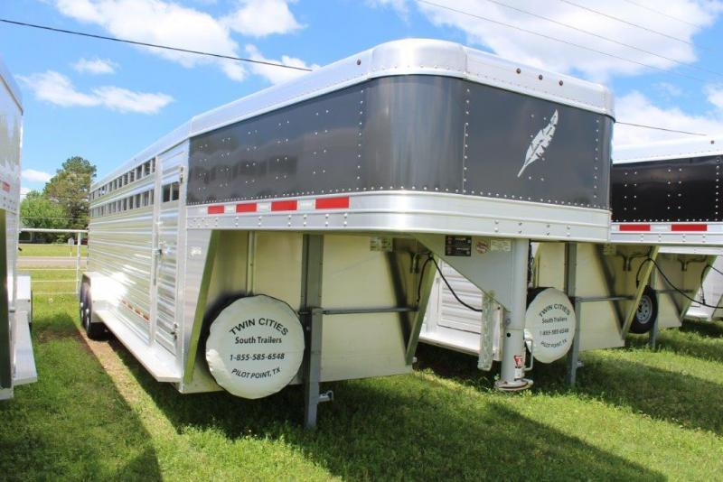 2019 Featherlite 8127 Livestock Trailer