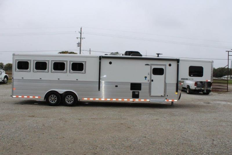 2019 Sundowner 4 horse with 12' Living Quarter