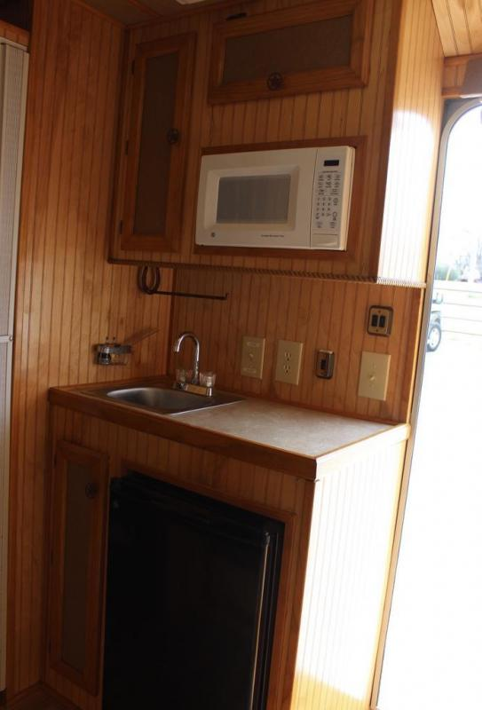 2003 Exiss Trailers XT308 Horse Trailer