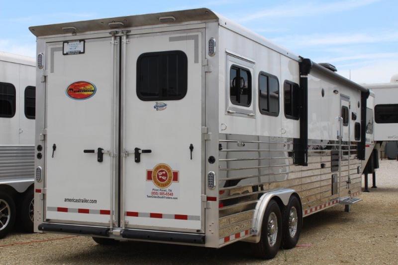 2020 Sundowner 3 horse with 12' Living Quarter