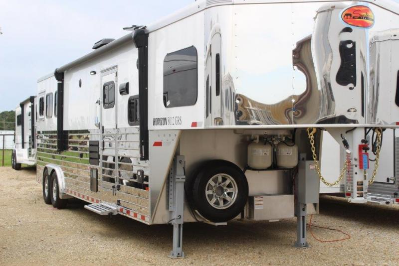 2020 Sundowner 3 horse with 12' Living Quarter