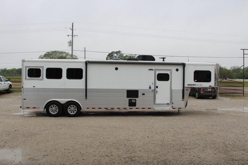 2020 Sundowner 3 horse with 11' Living Quarter