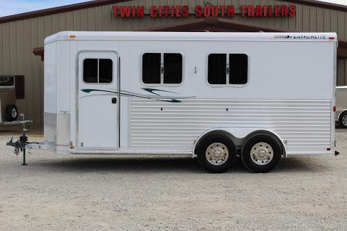 2003 Featherlite dressing room Horse Trailer