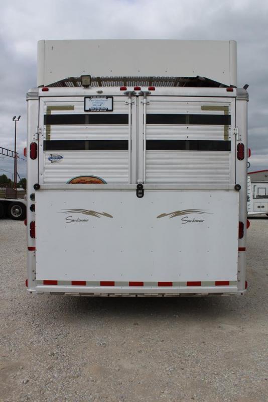 2006 Sundowner Trailers Stock LQ Horse Trailer