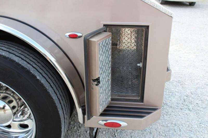 2007 Freightliner Sport Chassis M2 Truck