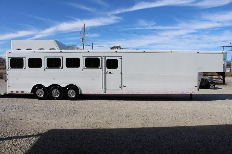 2007 Sundowner Trailers Sunlite Horse Trailer