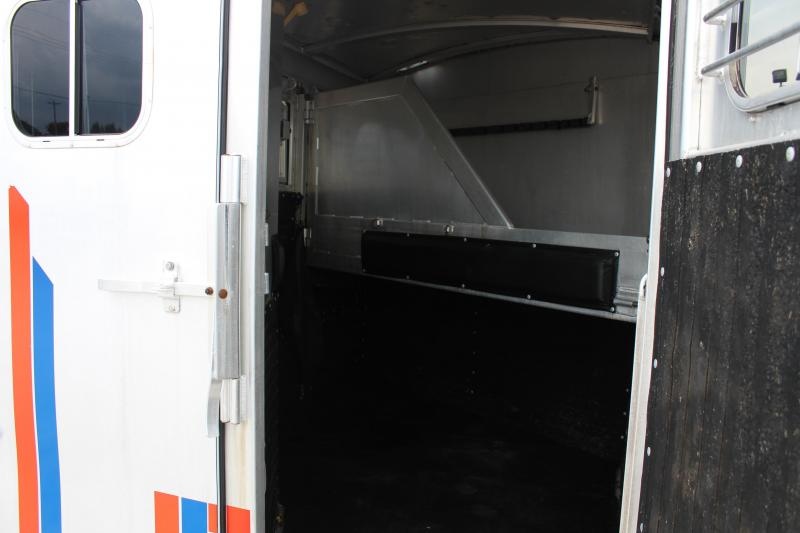 1991 4-Star Trailers dressing room Horse Trailer