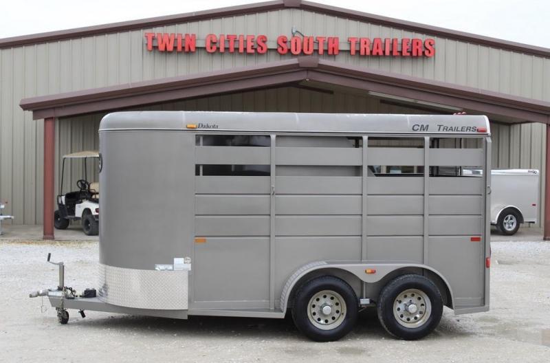 2015 CM stock combo Horse Trailer