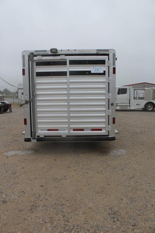 2013 Featherlite 8413 Livestock Trailer