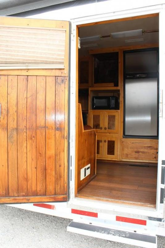 2003 Bloomer Living Quarter Horse Trailer