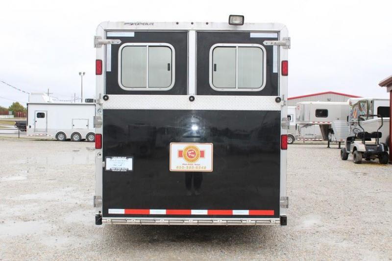 2011 Featherlite 8541 Horse Trailer