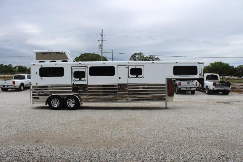 2005 Sundowner 2 horse In-Line Gooseneck Trailer