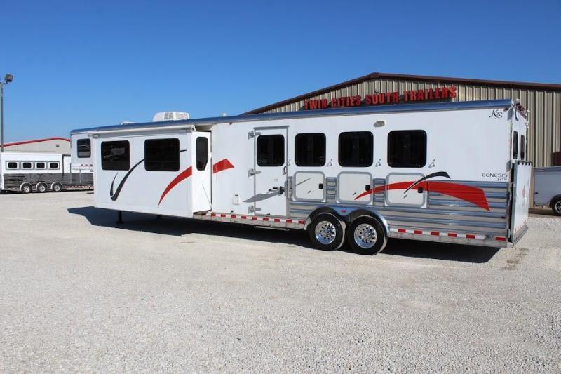2009 Kiefer 4 horse with 17' Living Quarter