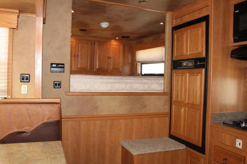 2009 Kiefer Built Genesis X8174 Horse Trailer