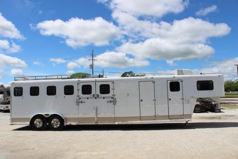 1991 Tracer 6 horse with Midtack and dressing room