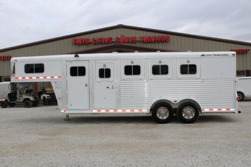 2007 Elite Trailers dressing room Horse Trailer