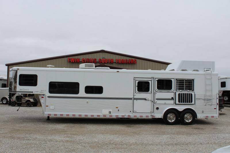 2006 Sundowner Trailers Signature Series Horse Trailer