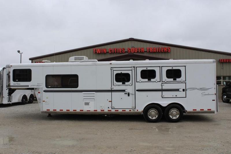 2006 Sundowner Trailers Liv ing Quarter Horse Trailer