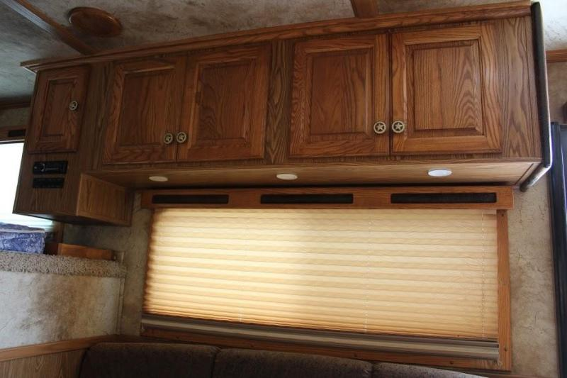 2008 Sundowner 4 horse with 14' Living Quarter