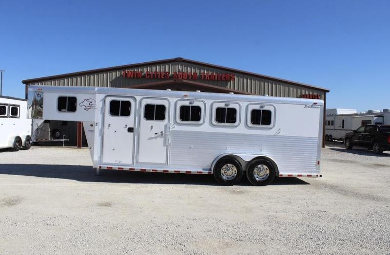 2001 Sooner Revolution Horse Trailer