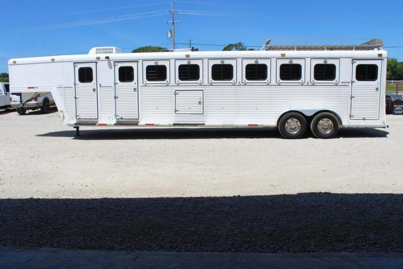 1997 Side Kick dressing room/ side tacks Horse Trailer