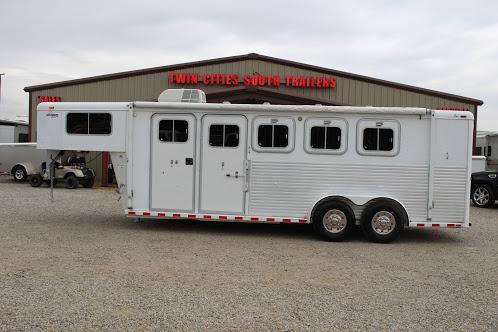 2000 Sooner Sooner Horse Trailer