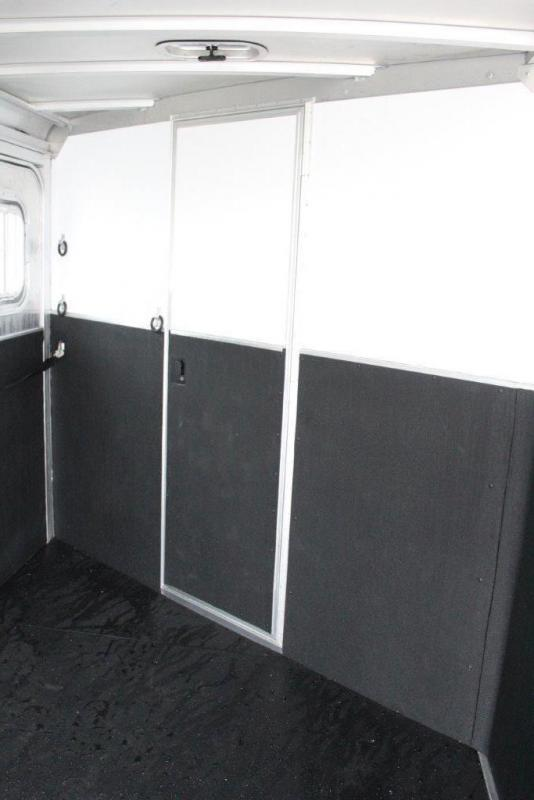 2019 Featherlite 3 horse slant gooseneck with dressing room