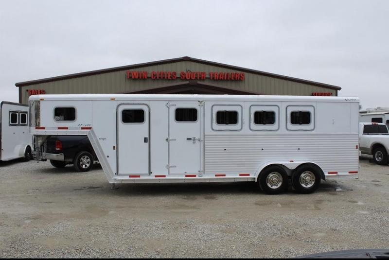 2008 Exiss Trailers XT400 Horse Trailer