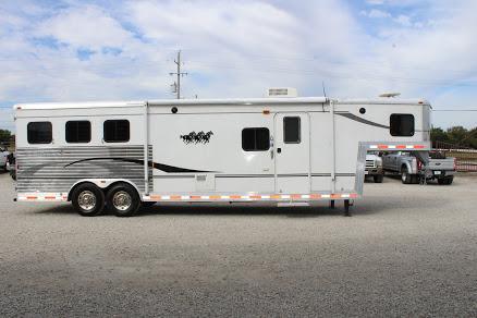 2006 Bison Trailers STRATUS Horse Trailer