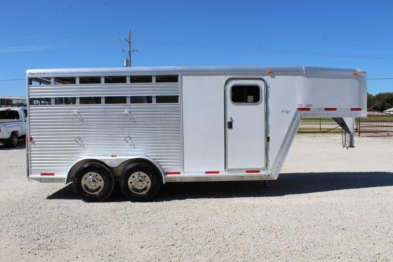 2007 Exiss 3 horse stock/combo