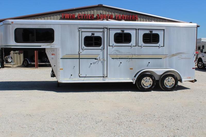2003 Sundowner 3 horse gooseneck