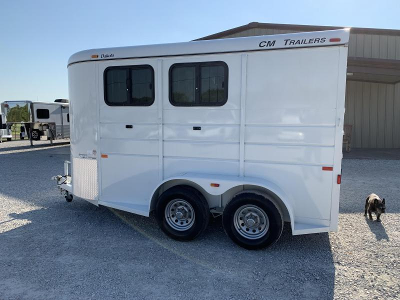 2017 CM Dakota Horse Trailer